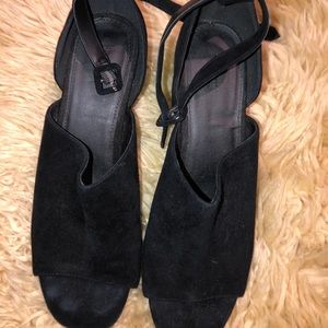 Urban outfitters black Suade sandals